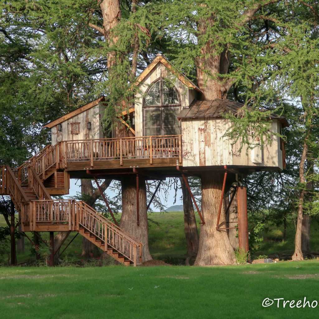 chapelle treehouse utopia